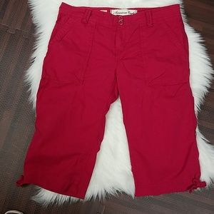 Fun Berry Pink American Eagle Capri Pants